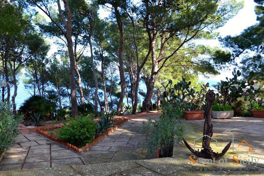 To Villa SeaBreeze in Aspra