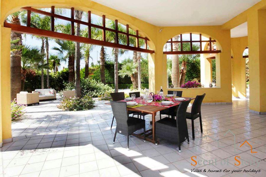 Villa Signorino patio