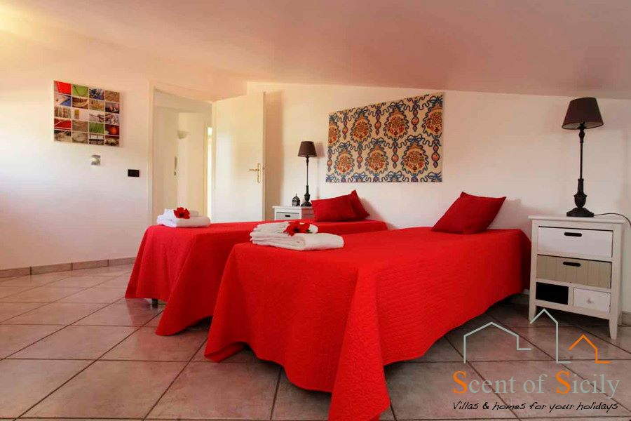 Villa Signorino twin or double bedroom first floor