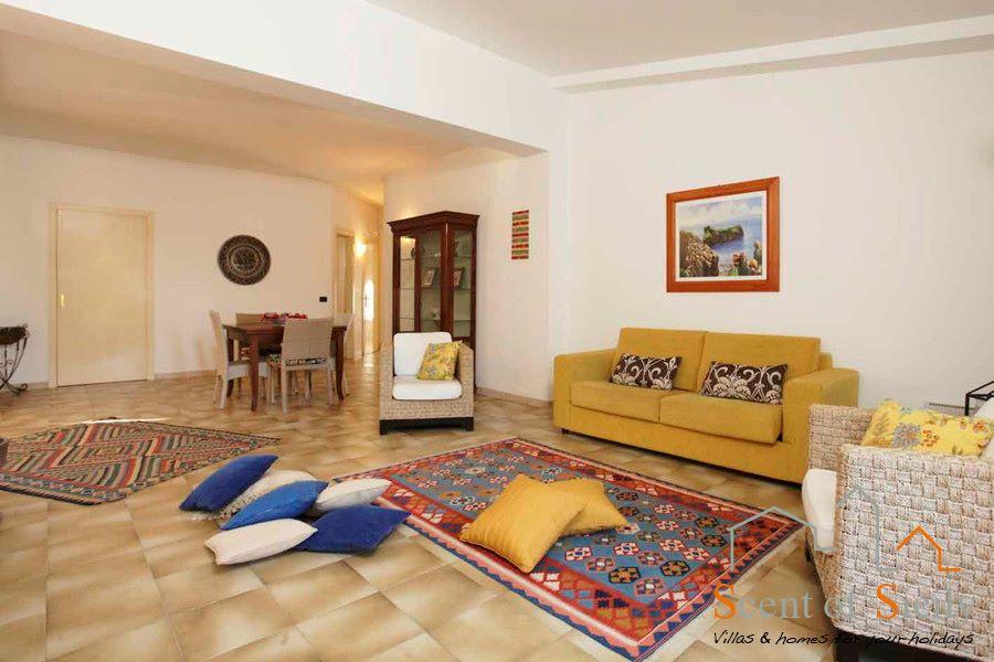 Villa Signorino living room