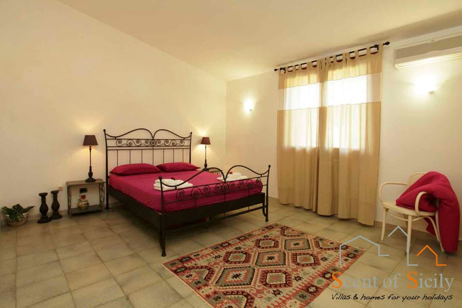 Villa Signorino double bedroom ground flooor