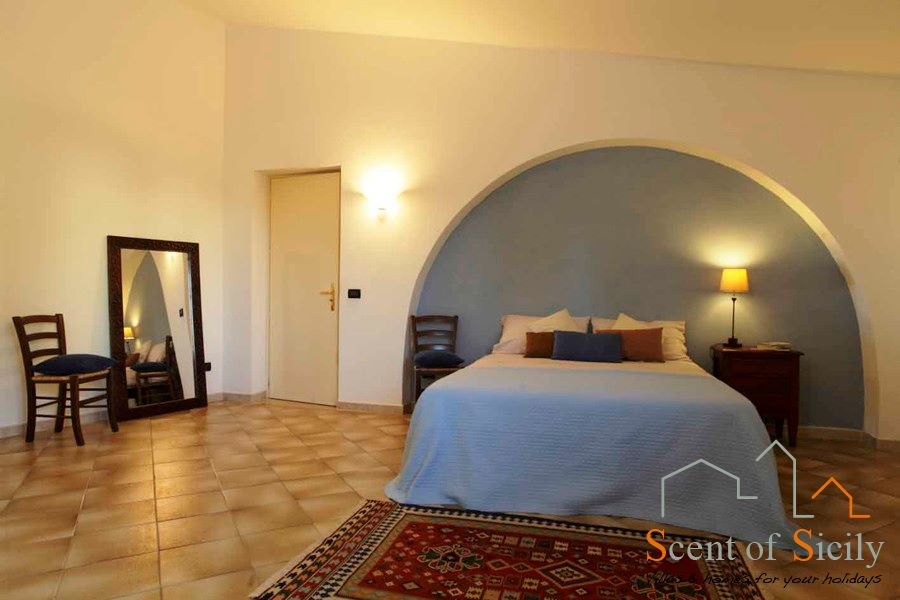 Villa Signorino blue double bedroom ground floor