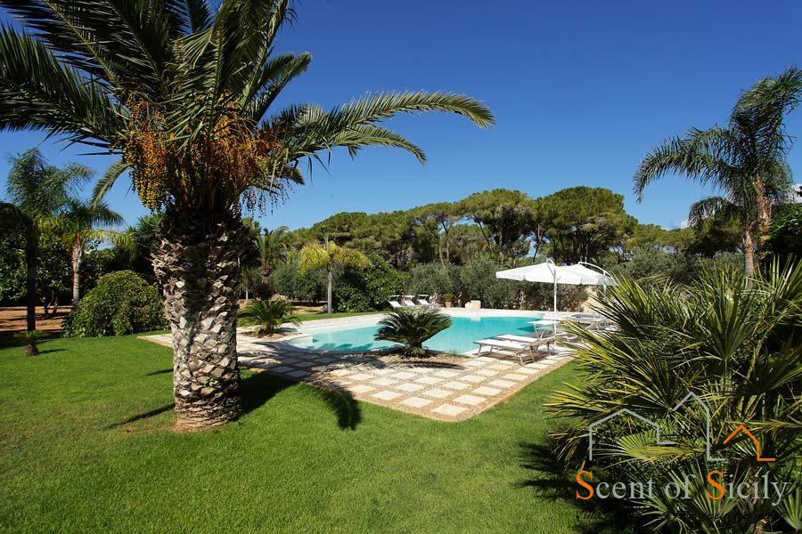 Villa Lilybeum swimming pool