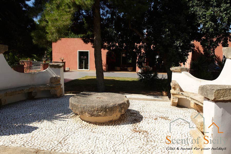 Villa Lilybeum the garden