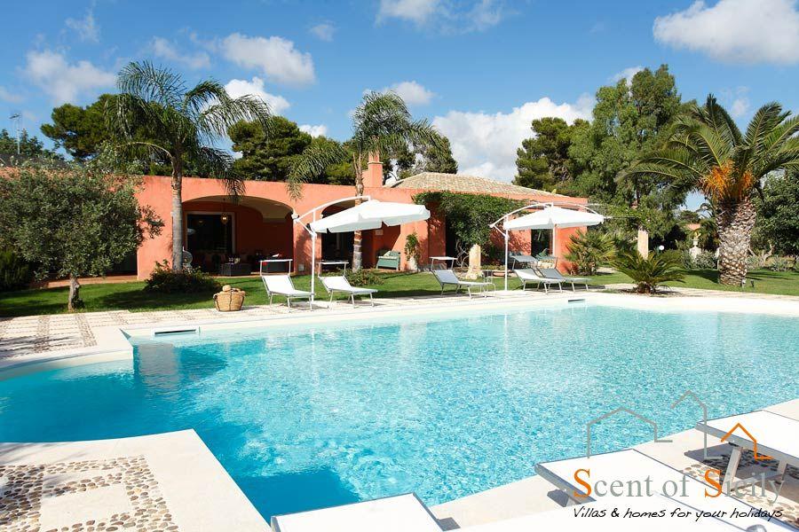 Villa Lilybeum the big swimming pool