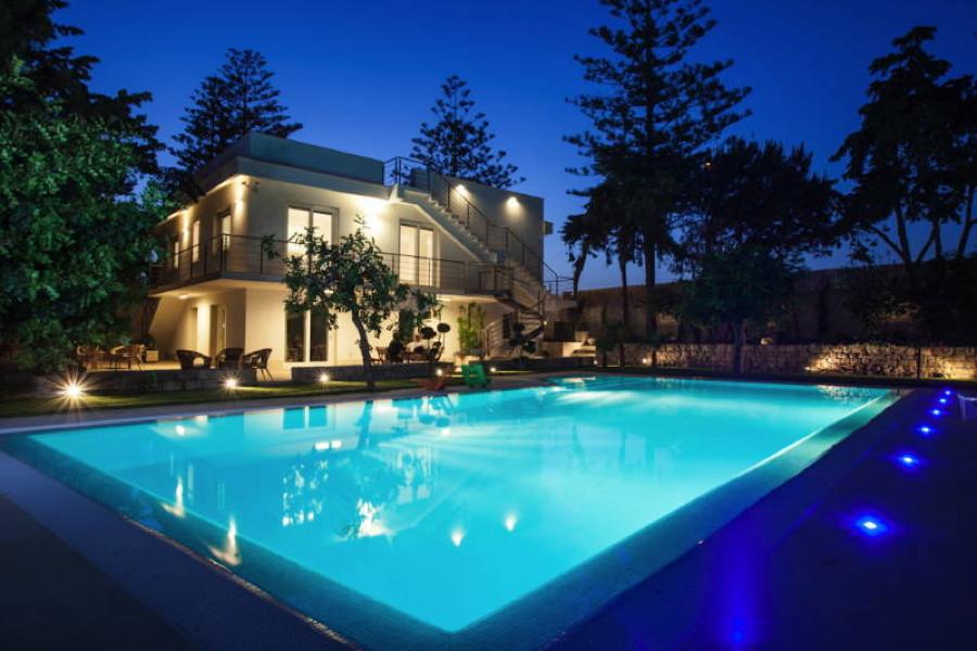 Villa Donnalucata, Donnalucata Southern Sicily pool in the evening