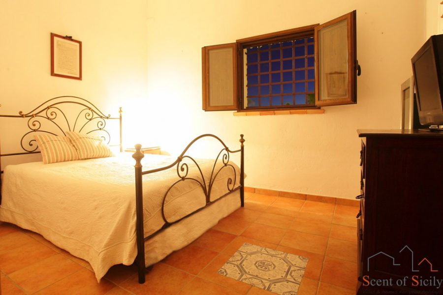 Villa Olympo dependance the double bedroom
