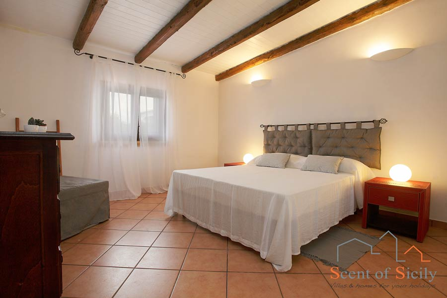 Villa Gio - master double bedroom in th dependance