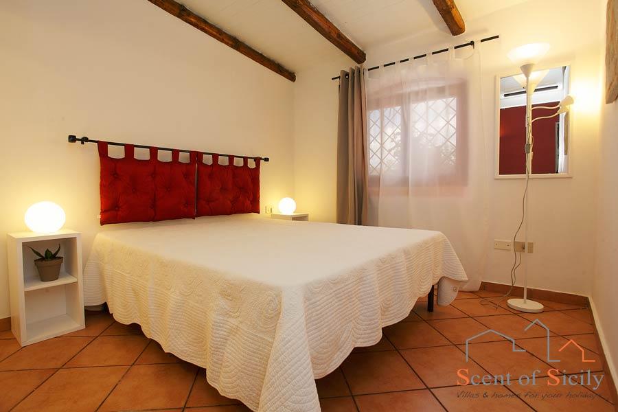 Villa Gio - double bedroom in the dependance