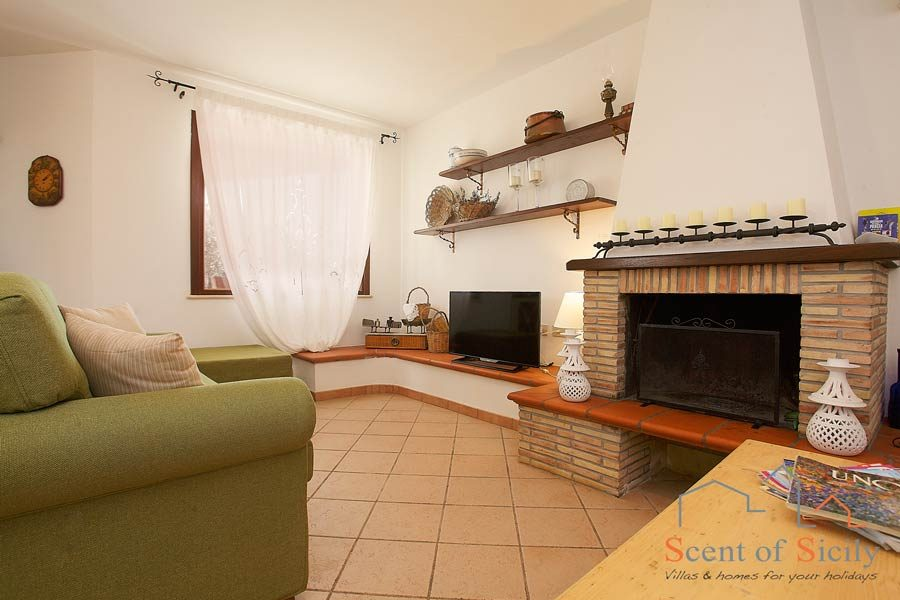 Villa Gio - fire place in living room