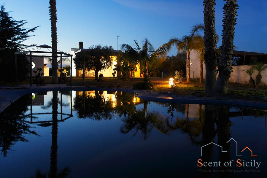 Villa Gio, the swimming pool in the evening
