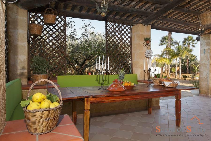 Villa Gio eating outside