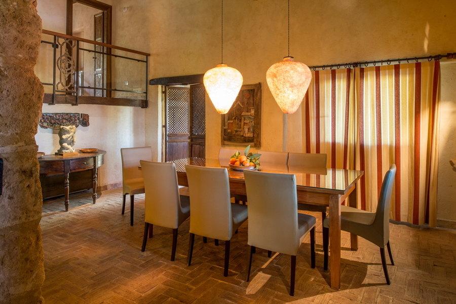Dinning in Villa Chic, Castelvetrano Western Sicily