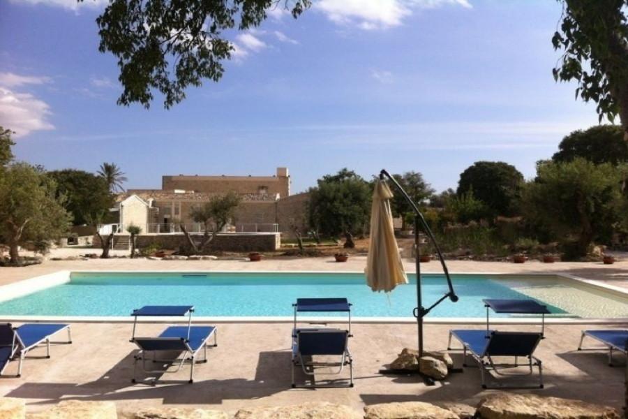 Sicily, Modica, Villa Dry Stone pool