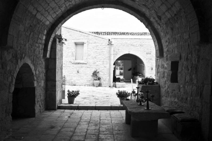 Sicily, Modica, Villa Dry Stone entrance