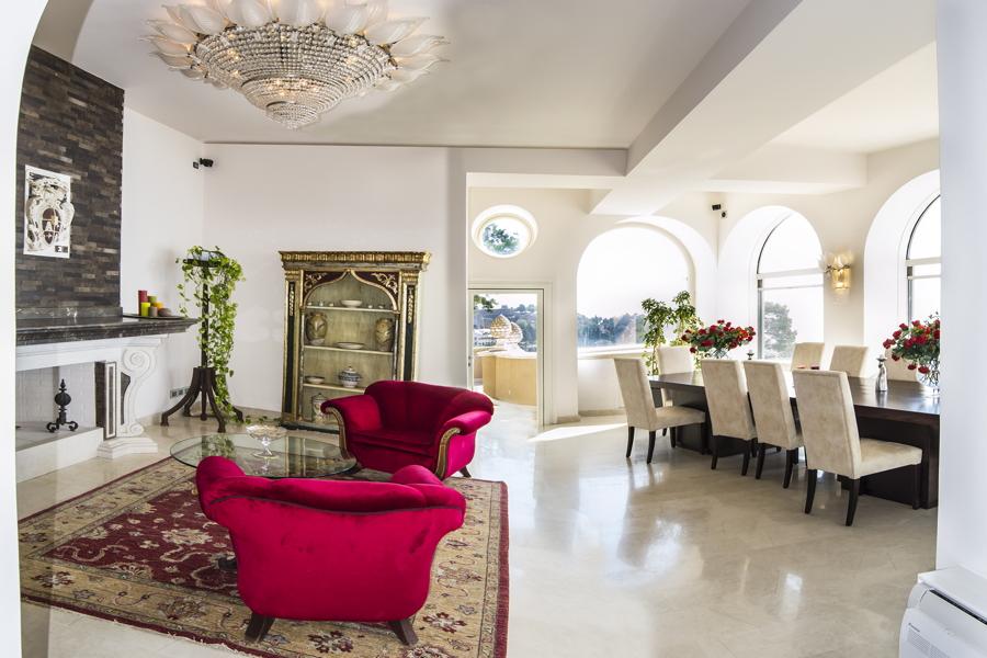 Sicily, Taormina, Villa Tormina living room