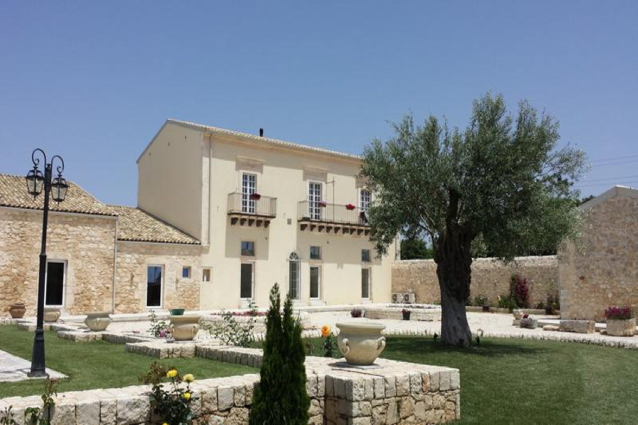 Sicily, Ragusa, Villa Sweet Memory garden