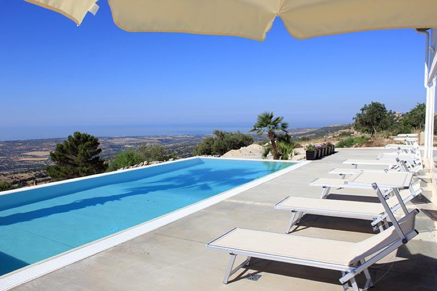 Sicily, Ragusa, Villa Zoe swimming pool