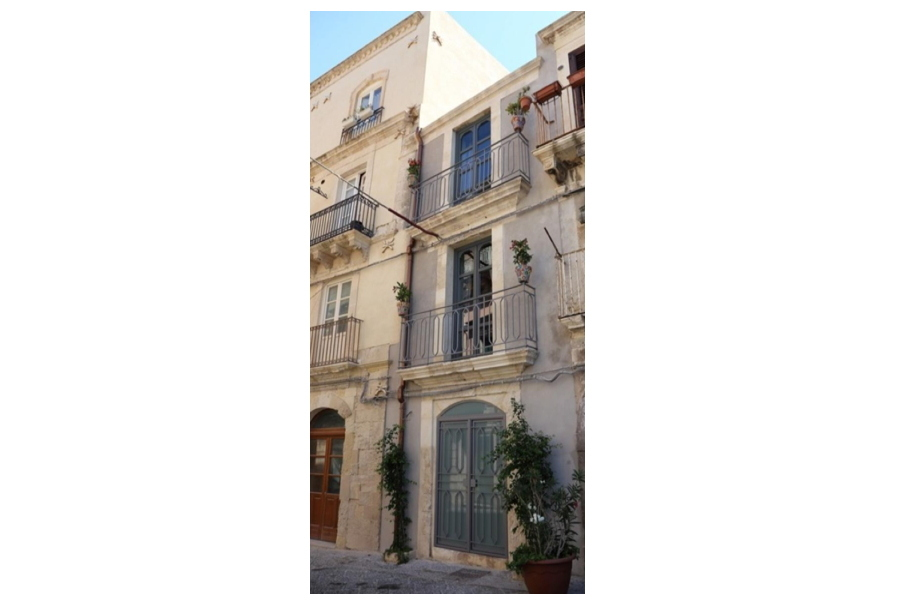 Syracuse, Sicily, palace Apartment Sea Port