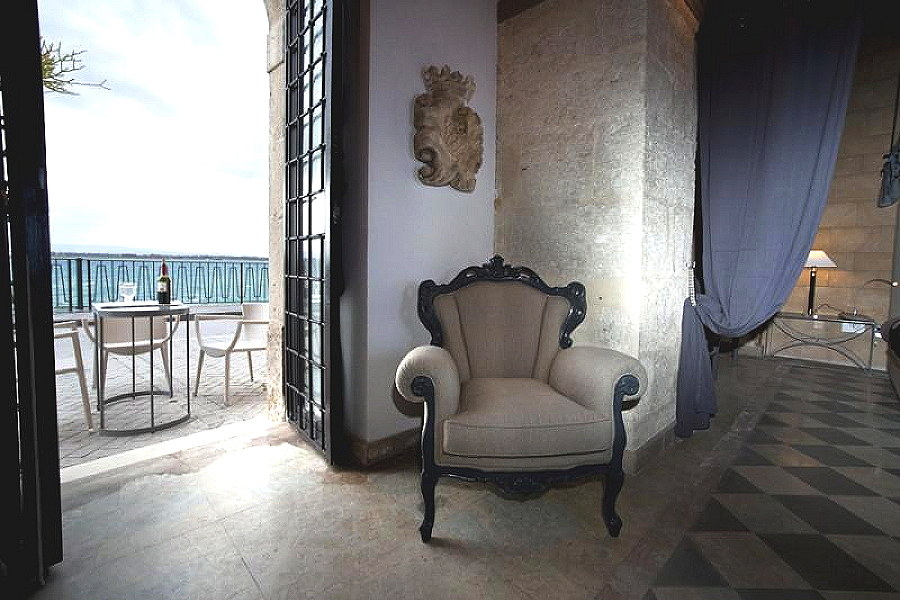 Syracuse Ortigia, Sicily Apartment White Palace view