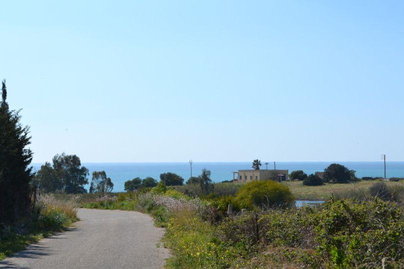 Ribera Seccagrande, Sicily, to the beach