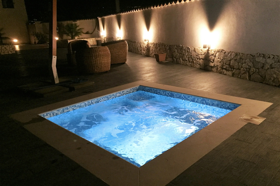 Villa Phoenix, Giardini Naxox, Taormina, Sicily, the jacuzzi