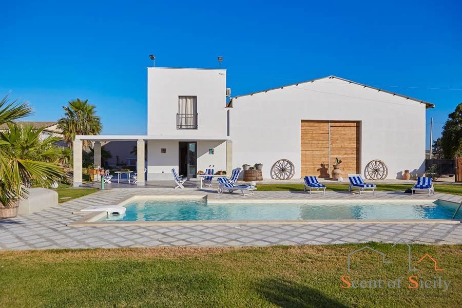 Jasper House, Trapani area, Sicily, view from the pool