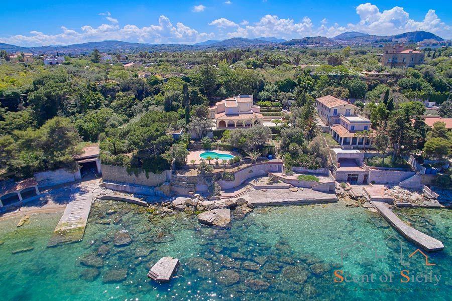 Villa Angela Blu Palermo area, Sicily, the private beach