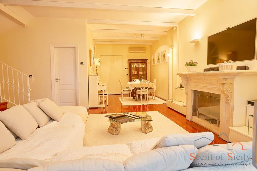 ACI Spa House, Acicastello, Sicily, the nice living room