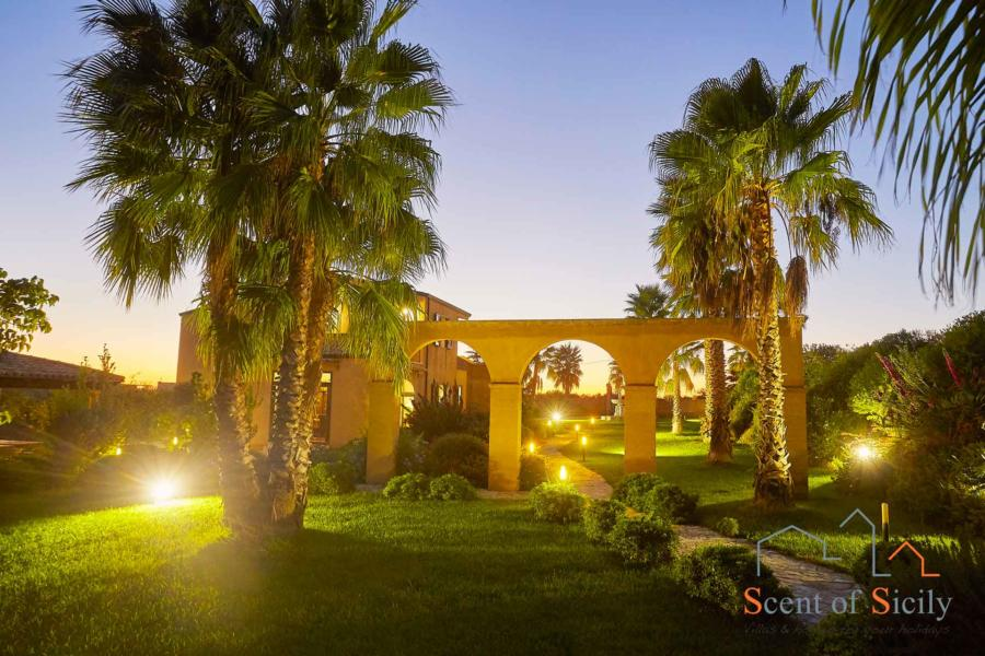 Selinunte-Villa-SelinunteGarden-garden-ScentOfSicily