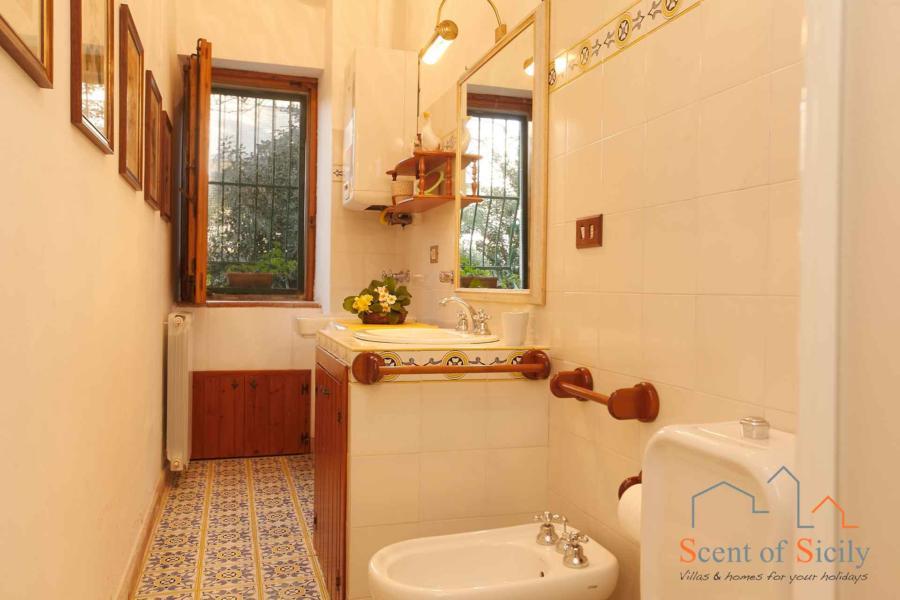 Sea Terrace , Torre Archirafi Eastern Sicily one bathroom