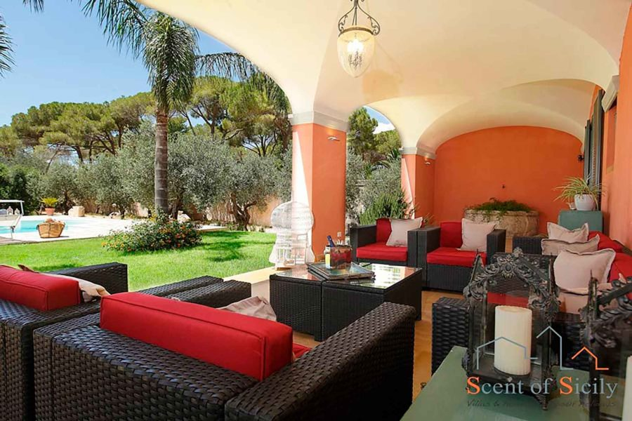 Front patio in  villa Lilybeum Marsala Scent of Sicily