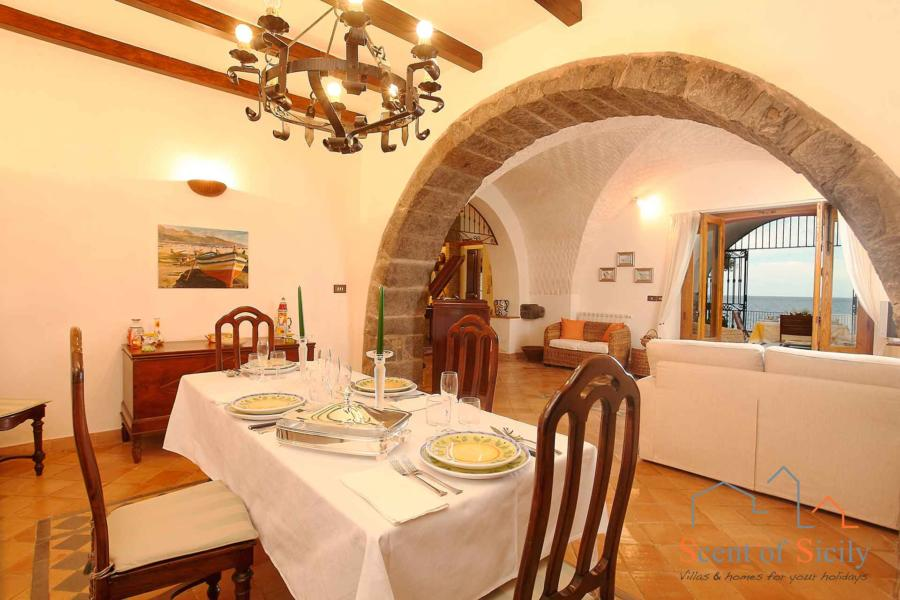 Sea Terrace , Torre Archirafi Eastern Sicily the dinning room