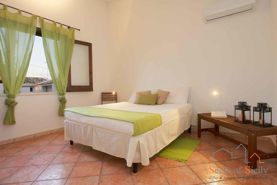 Green double bedroom in Villa Lory, Marsala Western Sicily - main house