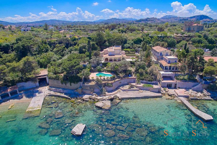 Villa Angela Blu Palermo area, Sicily, the private beach