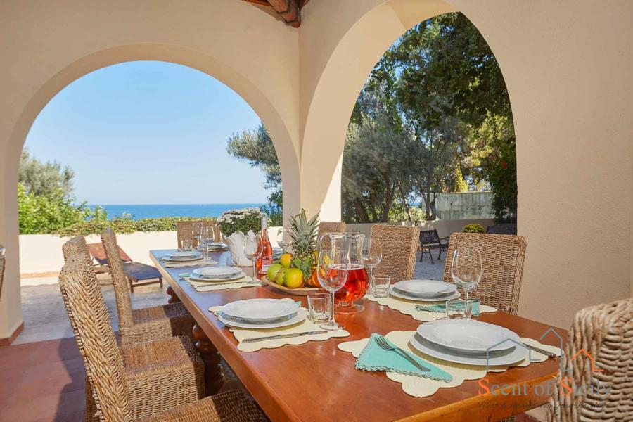 Villa Angela Blu Palermo area, Sicily, dinning outside