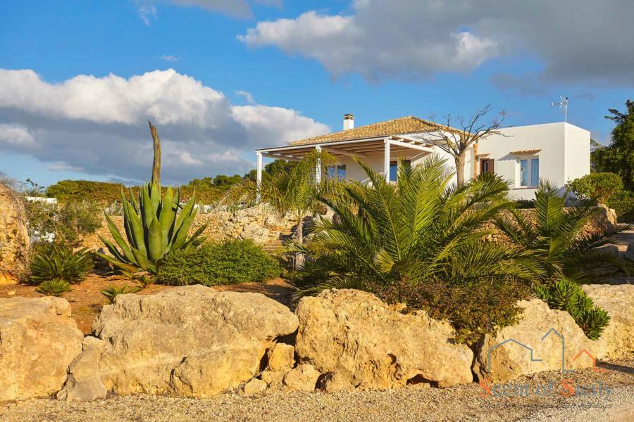 Villa Dorotea Marsala Western Sicily from the garden