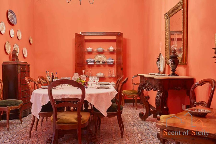 Villa Maria dinning room