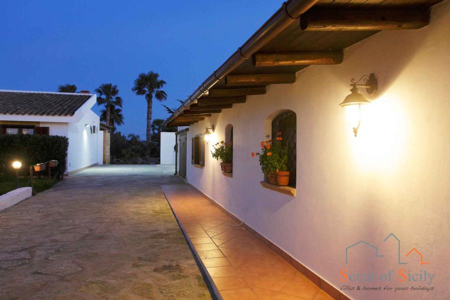 From the dependance to the main house in the evening - Villa Gio, Marsala, Western Sicily