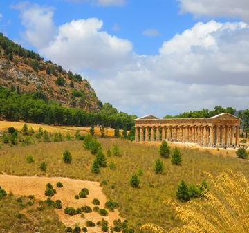 The Great Temple of teh Archeological Park of Segesta
