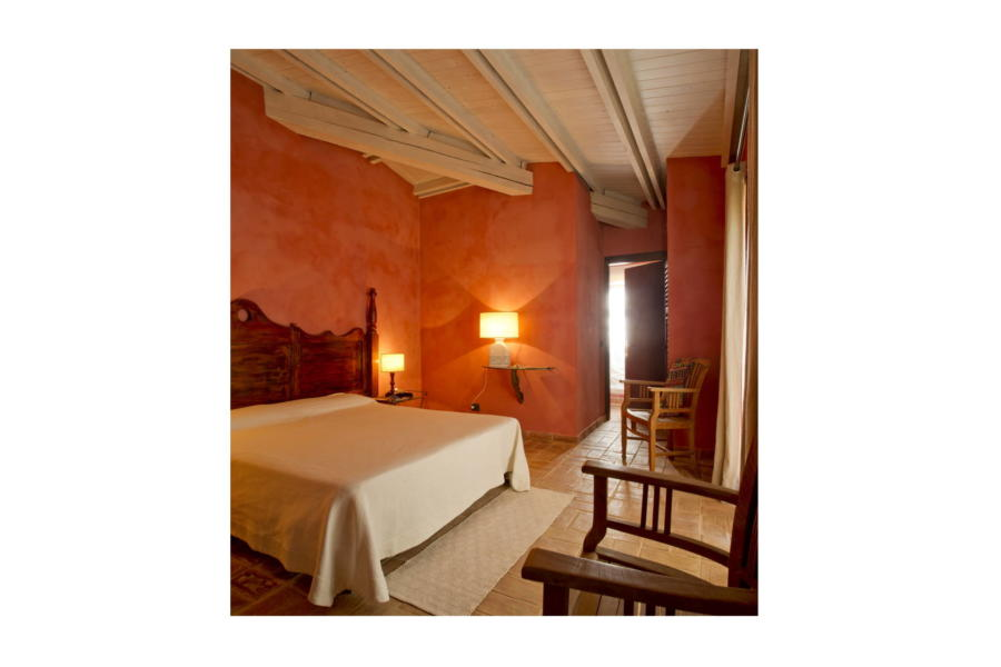 One double bedroom en-suite in Villa Bouganville Castelvetrano Scent of Sicily