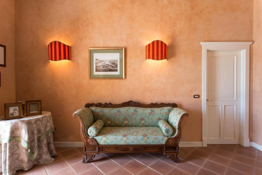 Casale dell'Ulivo Syracuse with classic elegant furnishings Scent of Sicily