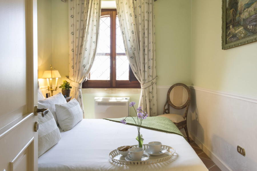 Green double bedroom in Casale dell'Ulivo Syracuse Scent of Sicily
