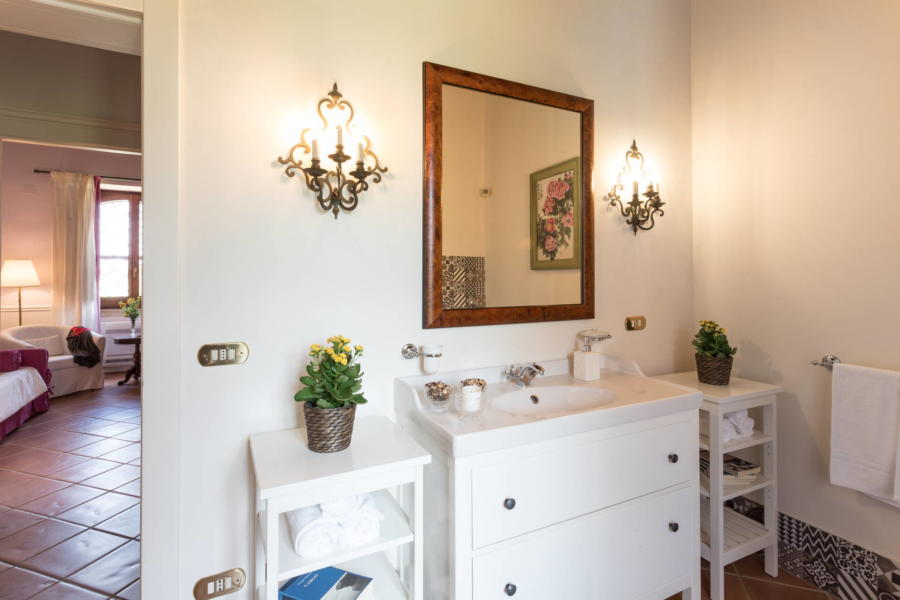 The bathroom in front of the single bedroom in Casale dell'Ulivo Syracuse Scent of Sicily