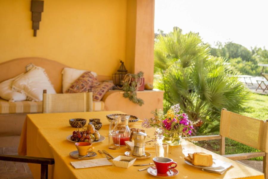Sun is shining the sky is blue  from Villa Borganville Castelvetrano Scent of Sicily