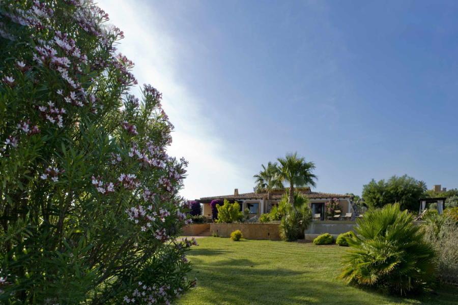 Villas in Sicilian Contryside
