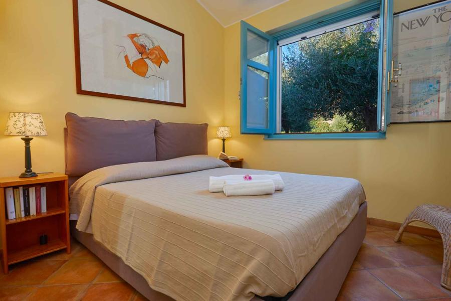Double bedroom in Villa Sunrise, Capo d'Orlando, Notnern Sicily - ground floor