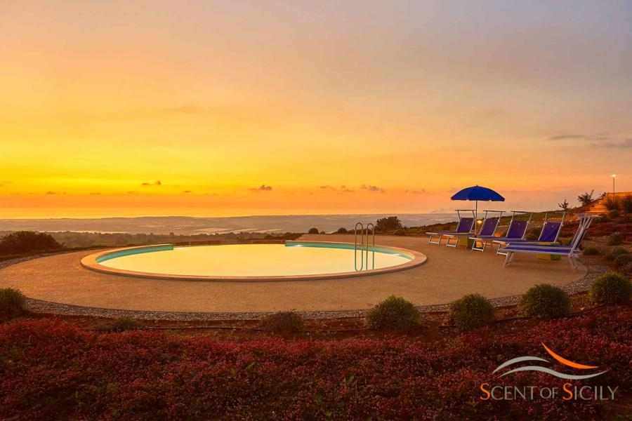 The magic sunset in Villa Bianca Levante Donnafugata Scent of Sicily