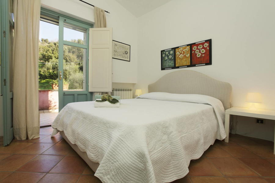 Double bedroom in Villa Sunrise, Capo d'Orlando, Notnern Sicily - first floor
