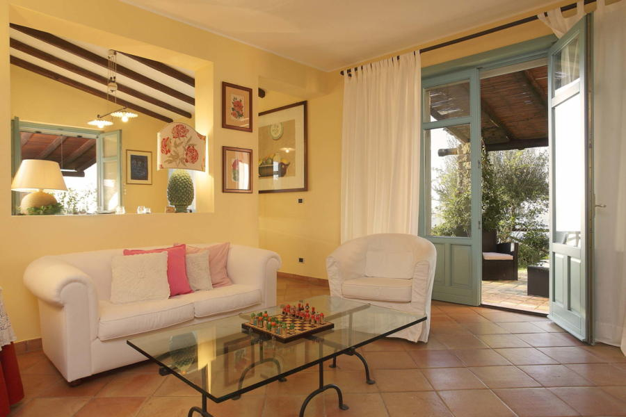 Balcony in the living room in Villa Sunrise, Capo d'Orlando, Notnern Sicily